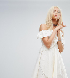 Фестивальное платье с запахом и вышивкой ришелье Milk It Vintage - Кремовый