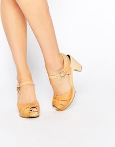 Кожаные босоножки на каблуке с открытым носком Swedish Hasbeens - Бежевый