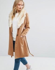 Пальто с воротником из искусственного меха и поясом Bellfield - Коричневый
