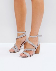 Босоножки на каблуке с оборками Call It Spring Quarata - Серый