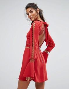 Платье с отделкой и открытой спиной Finders Keepers Borderlines - Оранжевый