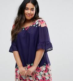 Свободное платье с оборками на рукавах и принтом Yumi Plus - Темно-синий