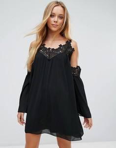 Свободное платье с открытыми плечами и отделкой кроше Parisian - Черный