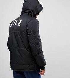 Черная длинная дутая куртка с логотипом на спине Fila эксклюзивно для ASOS - Черный
