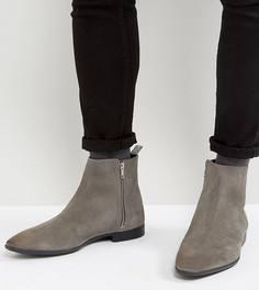 Серые замшевые ботинки челси для широкой стопы с заостренным носком и молниями ASOS - Серый