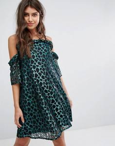 Платье миди с вырезами на плечах и леопардовым принтом PrettyLittleThing - Зеленый