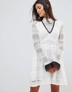 Кружевное платье с высоким воротником Millie Mackintosh - Белый