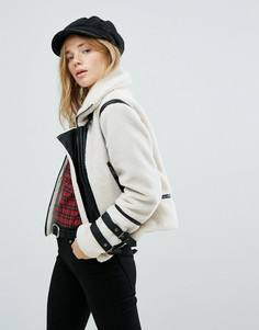 Куртка из искусственной цигейки с контрастными вставками New Look - Кремовый