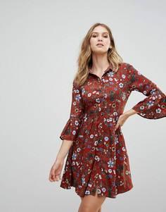 Короткое приталенное платье на пуговицах с цветочным принтом Uttam Boutique - Красный
