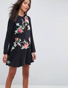 Платье мини с вышивкой и заниженной талией ASOS - Черный