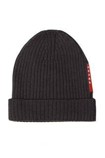 Серая шапка в рубчик Prada