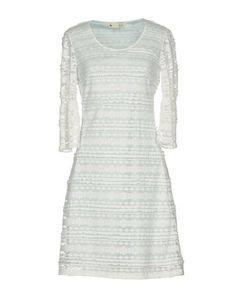 Короткое платье Yumi