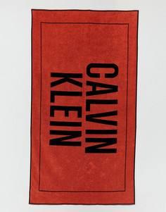 Пляжное полотенце с крупным логотипом Calvin Klein - Мульти