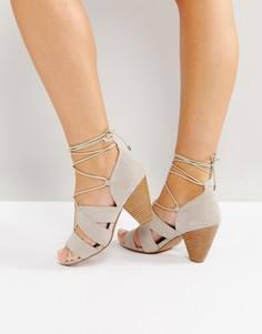 Босоножки на каблуке со шнуровкой ASOS TALL - Серый