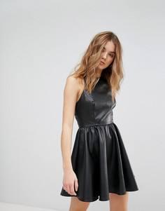 Приталенное платье из искусственной кожи New Look - Черный
