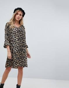 Цельнокройное платье с леопардовым принтом b.Young - Мульти