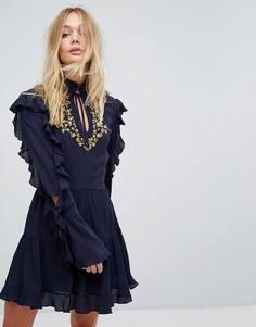 Платье с вышивкой и оборками Millie Mackintosh - Темно-синий