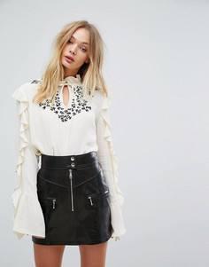 Блузка с оборками Millie Mackintosh - Белый