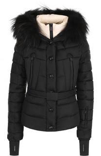 Стеганая куртка с меховой отделкой капюшона и поясом Moncler