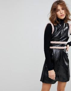 Свободное платье без рукавов с контрастной меховой отделкой Lost Ink - Черный