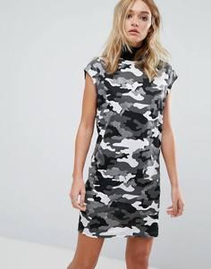 Платье без рукавов с высоким воротником и камуфляжным принтом Cheap Monday - Черный