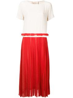 платье с контрастной плиссированной юбкой Erika Cavallini