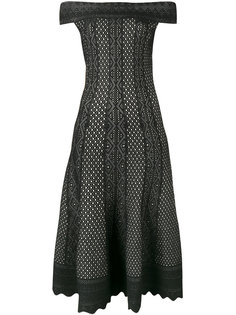 платье миди с открытыми плечами Alexander McQueen