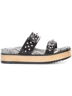 сандалии с пряжкой и заклепками Alexander McQueen