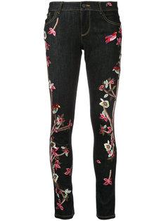 джинсы скинни с вышивкой Alice+Olivia