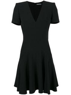 черное платье с короткими рукавами и V-образным вырезом Alexander McQueen