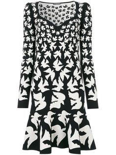 платье с жаккардовым узором из ласточек Alexander McQueen