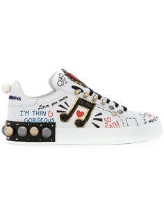 кроссовки с нашивками и заклепками Dolce & Gabbana