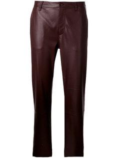 укороченные байкерские брюки Closed