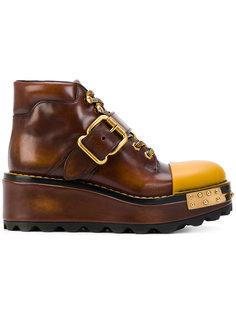 ботинки на платформе с пряжкой Prada