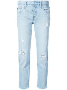 прямые джинсы с протертостями Levis