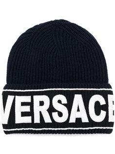 шапка с логотипом Versace