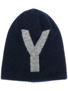 шапка с буквой Y Ys Ys
