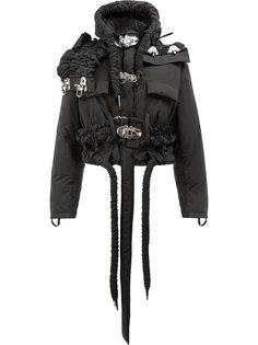 укороченная пуховая куртка на завязке с капюшоном и рюшами  Craig Green