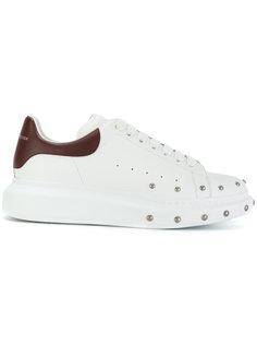 массивные кроссовки с заклепками Alexander McQueen