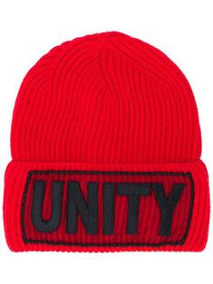 шапка Unity Manifesto Versace