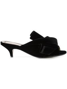 туфли с декоративным узелком Nº21
