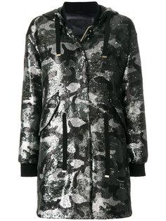 пальто с капюшоном с пайетками и камуфляжным принтом Herno