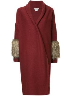 пальто с меховой отделкой на рукавах  Cityshop