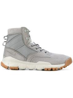 кроссовки SFB Nike