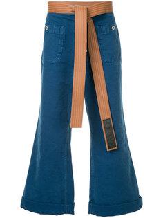 расклешенные джинсы с поясом Loewe