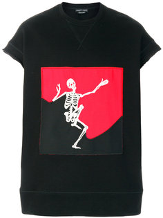 топ с принтом скелета Alexander McQueen