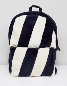 Рюкзак в полоску из искусственного меха ASOS - Темно-синий