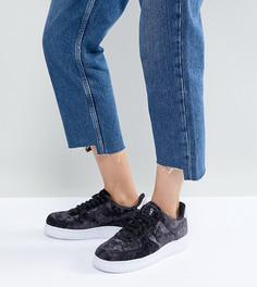 Черные бархатные кроссовки Nike Air Force 1 07 - Черный
