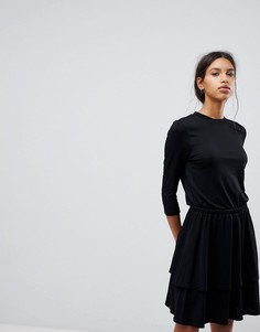 Вязаное платье с баской Selected Femme - Черный