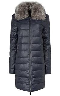 Утепленное пальто из экокожи с отделкой мехом лисы La Reine Blanche